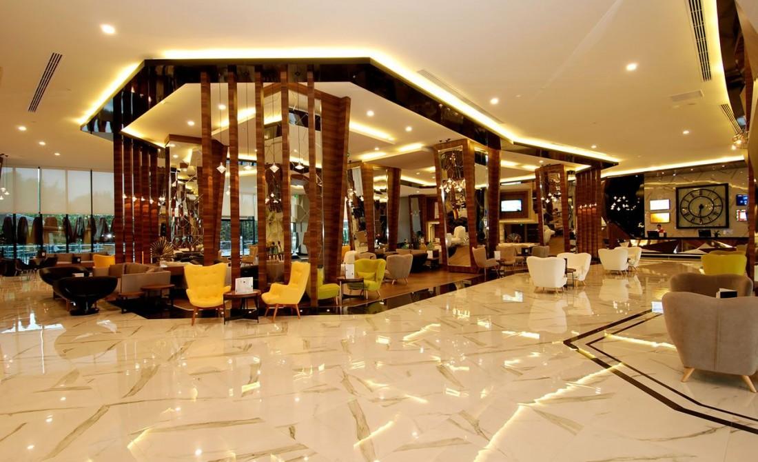 DELPHIN PLATINUM HOTEL